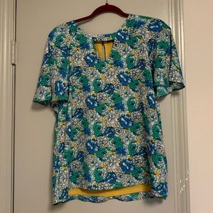 Banana Republic short sleeved blouse - size M